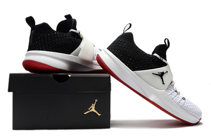 air jordan trainer 2 low sneaker 2 flyknit black white red
