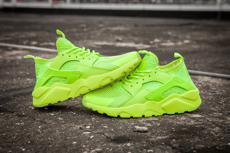 baskets basses nike sports air huarache run ultra fresh green