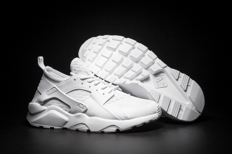baskets basses nike sports air huarache run ultra cool white