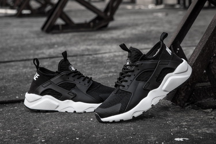 baskets basses nike sports air huarache run ultra pa stingray