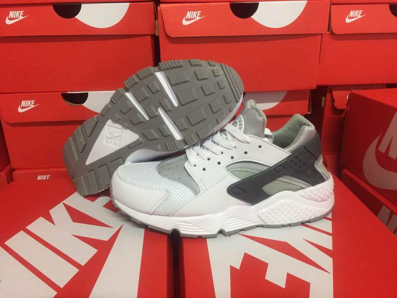 baskets basses nike sports air huarache run ultra three white color
