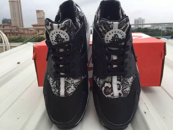low nike air flight huarache modele black snake