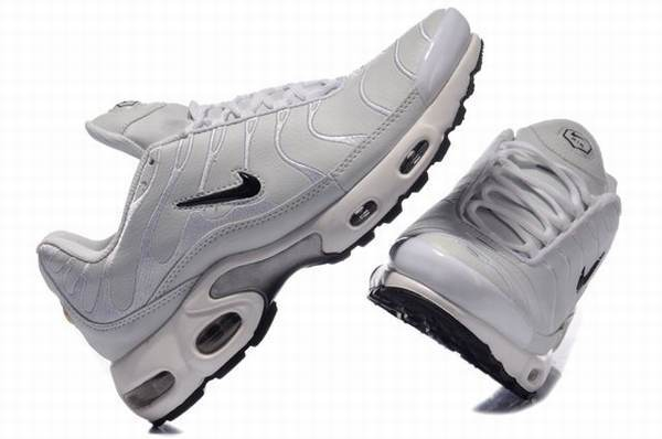 2014 Prix Bon Nike Air Max Foot Locker,authentique tn requin plating