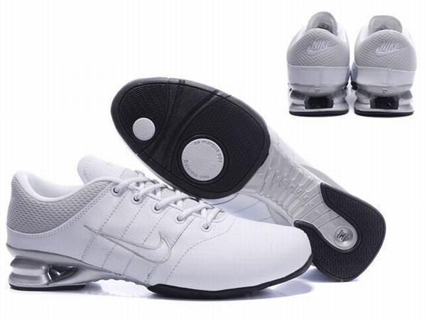 Nike Shox Rivalry Herren 42