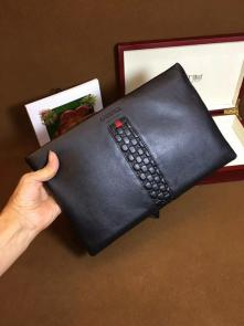 nouveau gucci clutch bag black embossing cowhide interior zipper id card smartphone pockets