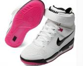 sportswear nike montantes air revolution sky baskets blanc rose boot