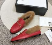 women chaussures gucci en cuir plat en peluche cowhide wool red