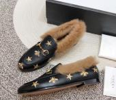 women chaussures gucci en cuir plat en peluche embroidery star bee